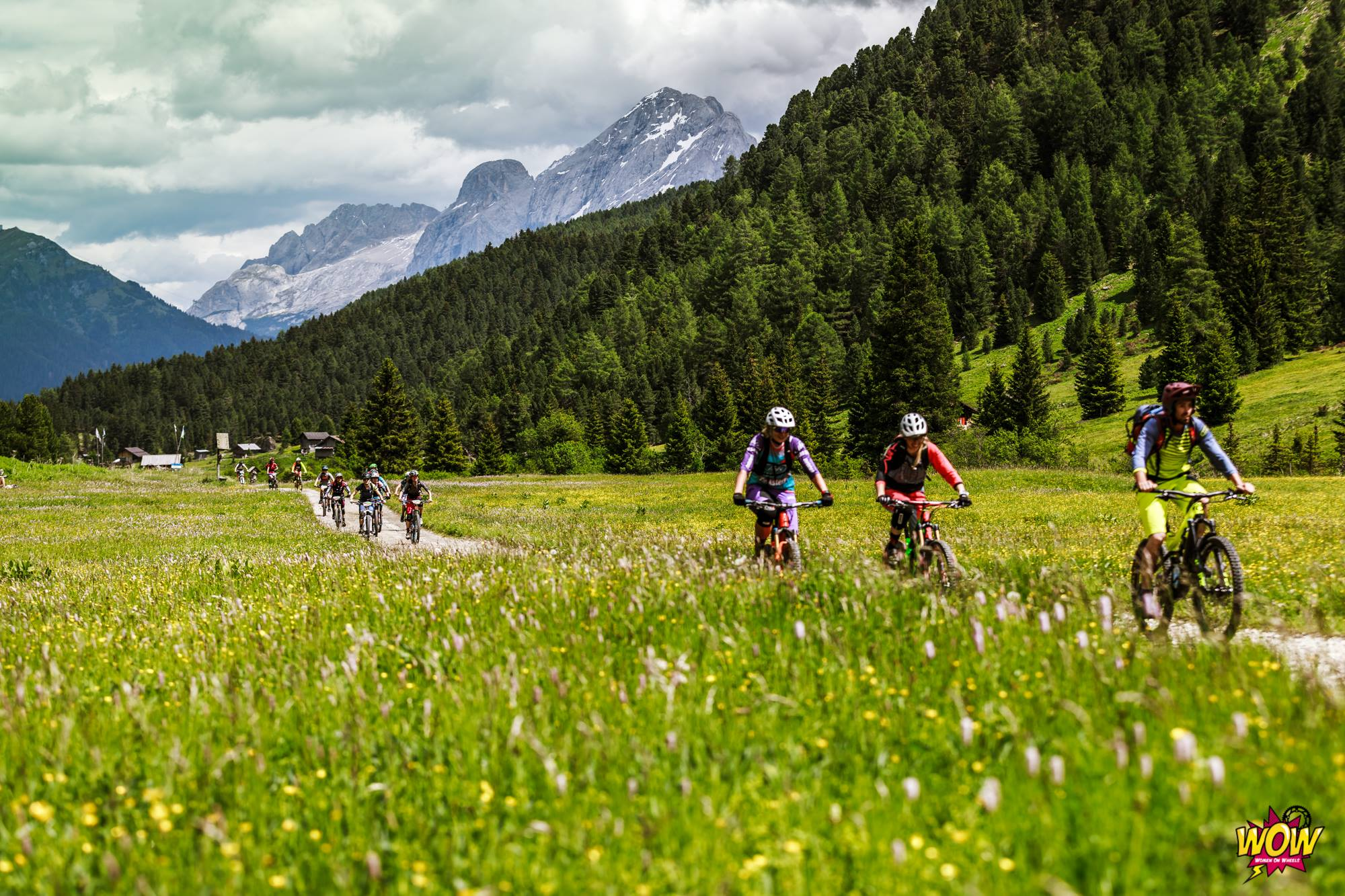 WOW Riding Italy donne in bici Canazei