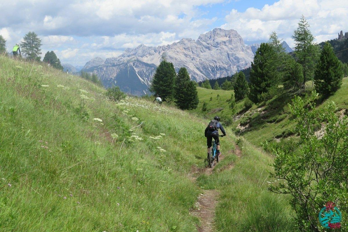 cortina in mountain bike Falzarego super trail