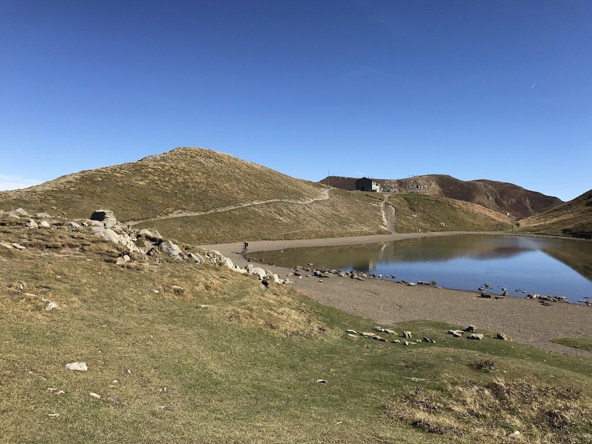giro mountain bike lago scafaiolo appennini