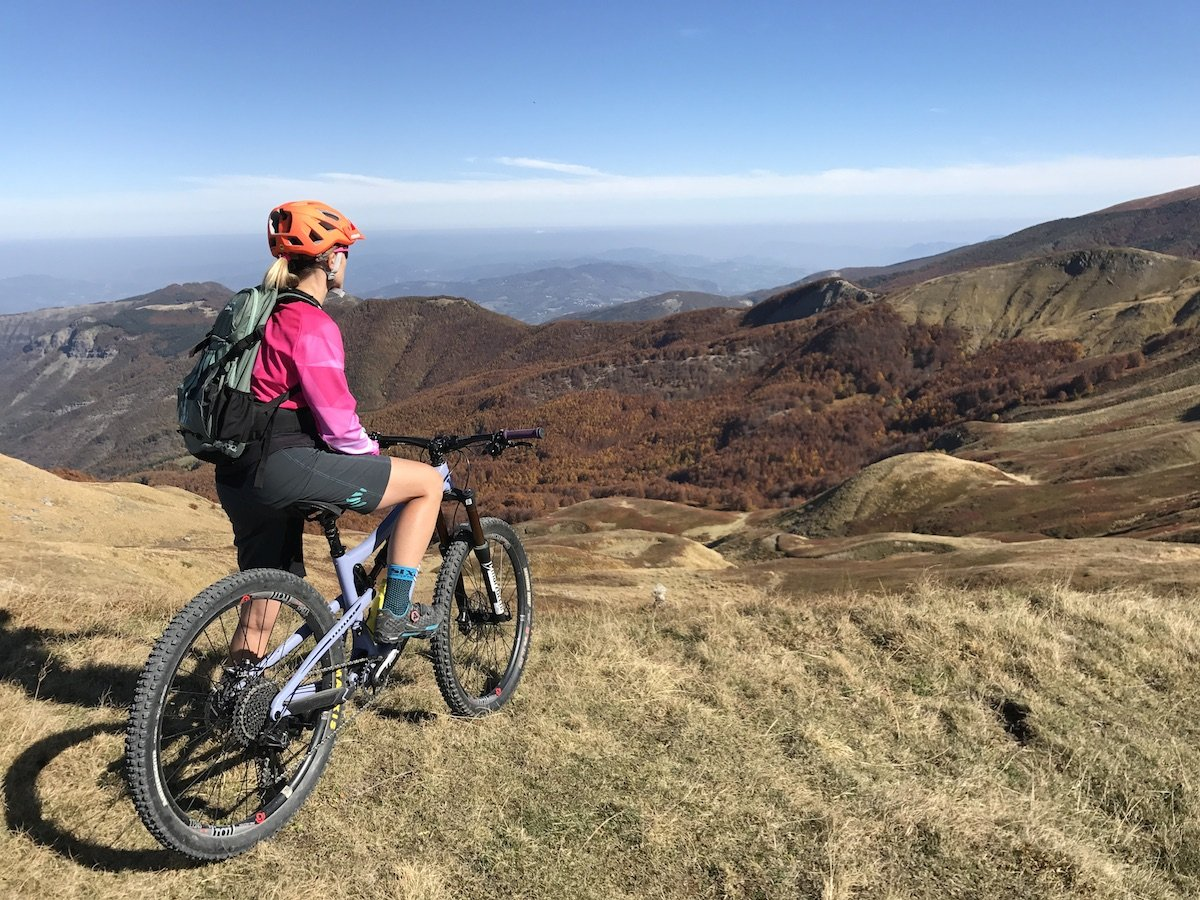 elena martinello i mountain bike sull'appennino toso emiliano
