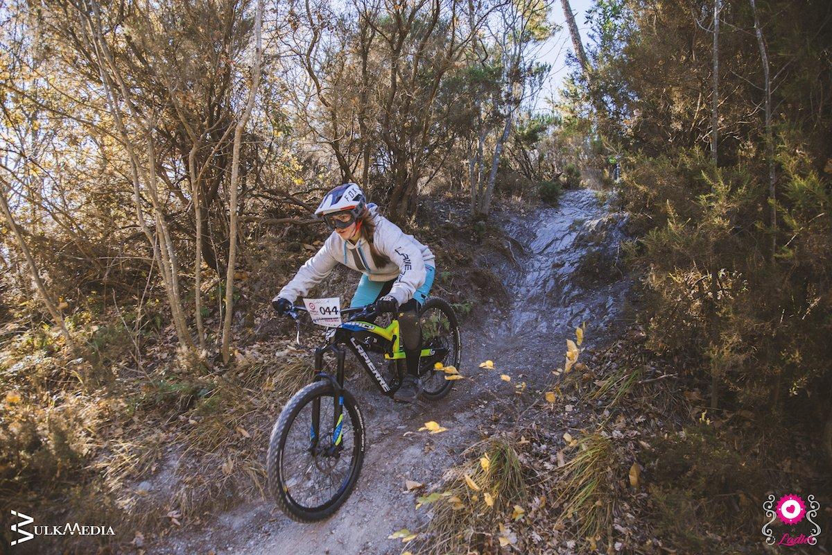 pedalare d'inverno in mountain bike in Liguria