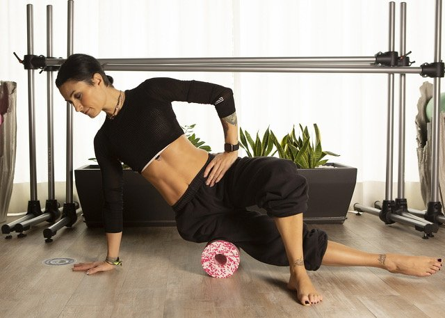 Pilates online e black roll con Miretz