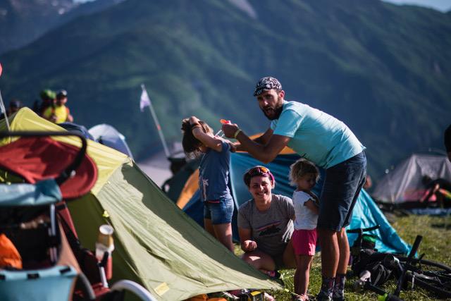 famiglia in tenda al BAM! Campfire 2021